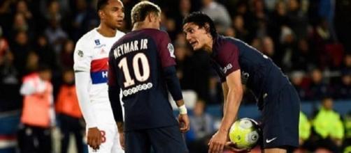Última hora: ¡Neymar le echa más leña al fuego en su polémica con Cavani!
