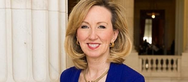 Barbara Comstock (Official portrait wikimedia commons)