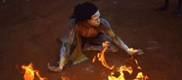 L'artiste performeur camerounais Tchina Djidda (c) Tchinatadi Djidda