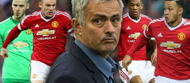 Manchester United make desperate plea for Jose Mourinho with Louis ... - mirror.co.uk
