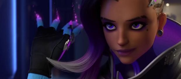 'Overwatch' hero Sombra. [image source: YouTube/Allsoproductions]