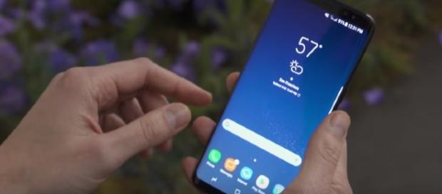 Samsung Galaxy S8 - YouTube/The Verge Channel