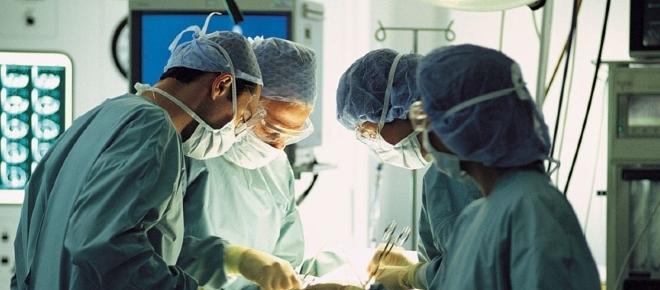 Morta ragazzina di 12 anni per un'operazione al femore andata male