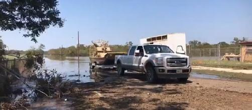 Animals were evacuated to higher ground from Texas Zoo after flooding from Hurricane Harvey [Image: Facebook Video/The Victoria Advocate]