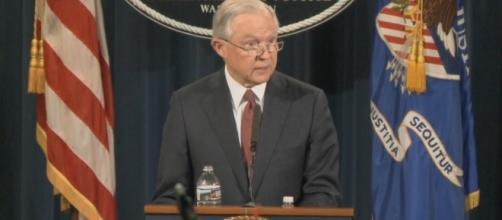 Attorney General Jeff Sessions announces revoking DACA program / [Screenshot - Justice Department - YouTube: https://youtu.be/I3Lhl6Ru84c]