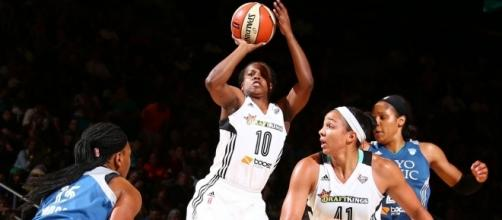 Epiphany Prince was among the leaders for the Liberty on Friday in their ninth-straight win. [Image via WNBA/YouTube]