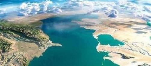In foto: il Mar Caspio ripreso dall'alto