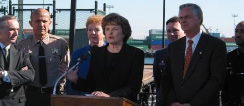 Senator Feinstein speaks the Port of Long Beach [Image via Office of Dianne Feinstein]