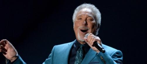 Sir Tom Jones had to postpone his US Tour