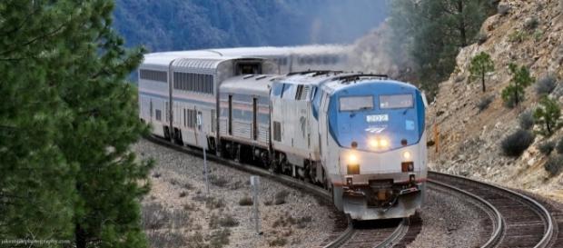 Amtrak California Zephyr on Donner Pass | The eastbound Cali… | Flickr - flickr.com