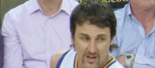 Andrew Bogut in his former team | Image via WIkimedia Commons