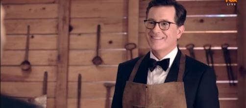 Stephen Colbert hosts of the 2017 Emmy Awards. Credits to: Youtube/FOX Nederland