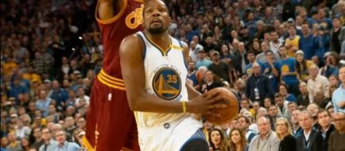 Warriors forward Kevin Durant apologized for Twitter issue -- NBA via YouTube
