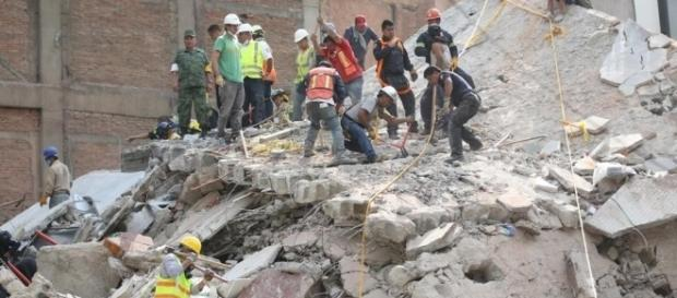 I pray she's already dead': Chaos as Mexico City block collapses ... - hindustantimes.com