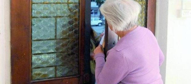 Truffe agli anziani presto reato