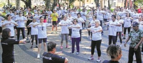 Prática do lian gong em Belo Horizonte