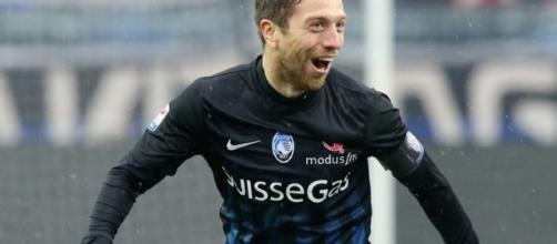 Gomez, autore del gol del pareggio in Lione-Atalanta - calciomercato.com