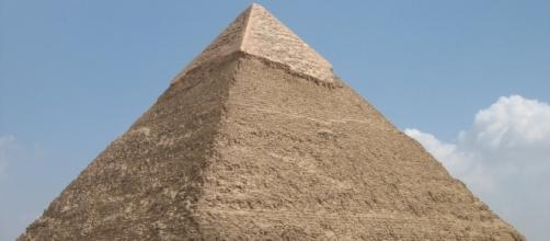 Great Pyramid of Giza [Image by Jerome Bon Flickr  Cropped   CC BY- 2.0 ]