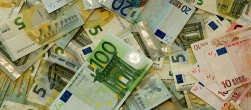 Le tasse più strane in Italia, anche per cose che non esistono più