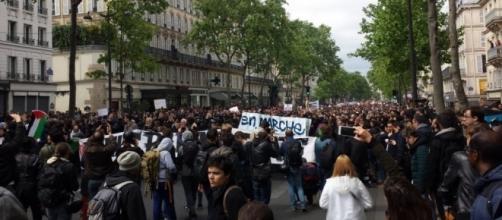 Manifestation à Paris d'un «front social» contre Emmanuel Macron ... - leparisien.fr
