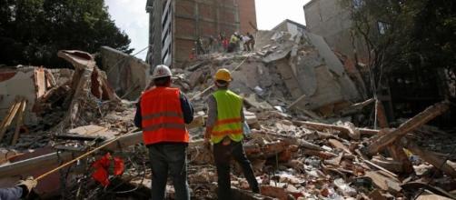 Messico, più di 220 morti per il terremoto. Bimba di sette anni ... - lastampa.it