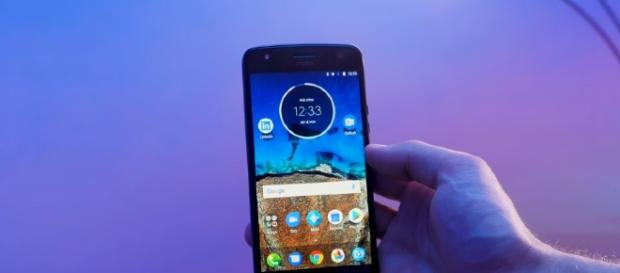Motorola Moto X4 [Image via YouTube/TechMagnet]