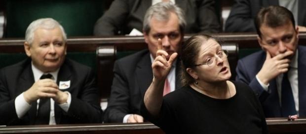 Posłanka Krystyna Pawłowicz i jej oburzające wypowiedzi (fot. wyborcza.pl)