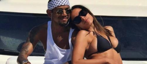 Anitta e Nego do Borel em iate nesta quinta-feira (Foto: Reprodução/Instagram)