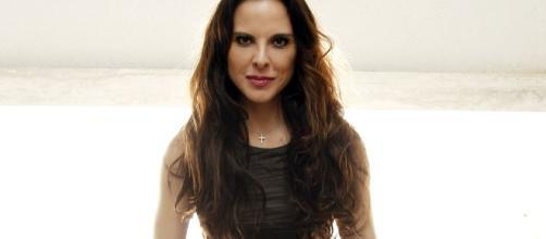 Kate del Castillo no aprende y se lanza contra el gobierno - TKM ... - mundotkm.com