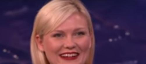 Kirsten Dunst opens up about her experience of being stoned on the set.- Youtube/Team Coco