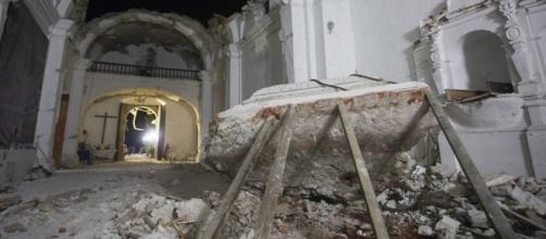 Sólo bastaron 30 segundos, durante el terremoto del pasado martes, para que el techo del templo se desplomara completamente.