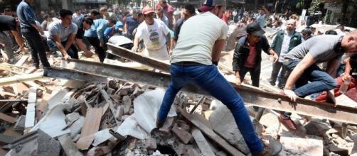 Un fuerte terremoto sacude México; hay un centenar de muertos ... - nytimes.com