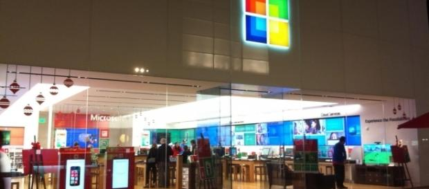 Microsoft Store in Los Angeles. It will soon get a British sister in Oxford Circus, London. / from 'Flickr'