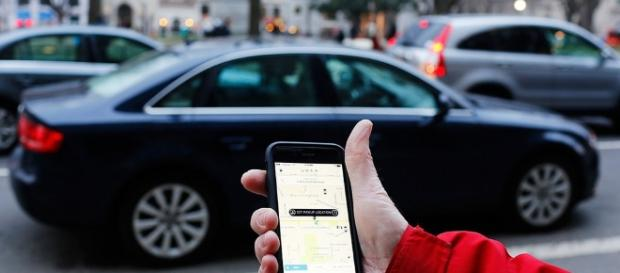 Uber to be banned in Greater London. [Image via Mark Warner/Flickr]