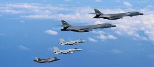 Bombardieri americani sui cieli della Corea del Nord.