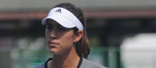 Garbiñe Muguruza defeated Caroline Garcia, 6-2, 6-4, to reach the semifinal -- Tatiana via WikiCommons