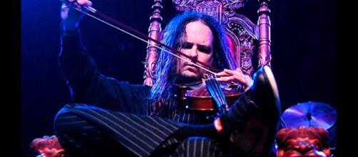 'Korn' frontman Jonathan Davis saved by video games from Blood-Clotting Disorder(FatehearstheFearless/YouTube Screenshot)