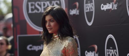 Kylie Jenner sul red carpet di un evento mondano