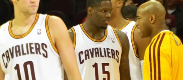 Anthony Bennett (center) gets a new lease in Phoenix/ photo by Erik Drost via Flickr