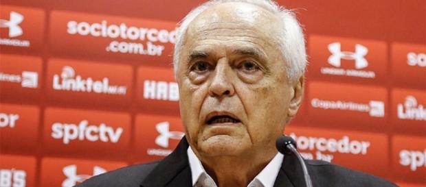 Leco criticou passagem de Rogério Ceni