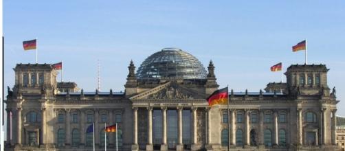 Imagem frontal do parlamento alemão