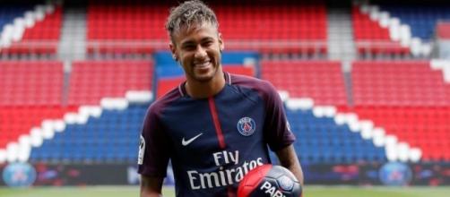Neymar nel giorno della sua presentazione al Parco dei Prinicipi.