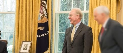 Secretary of Health and Human Services Tom Price, in Oval Office. / [Image by the White House via Flickr, Public Domain]