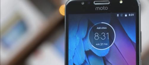 The Moto G5S Plus will be available in the US next week. [Image Credit: C4ETech/Youtube]