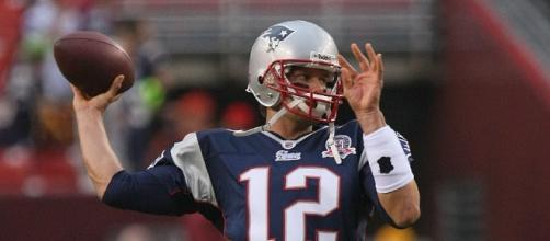 Tom Brady lead the Patriots to a win against the Texans- Photo by Keith Allison- https://www.flickr.com/photos/keithallison/6824854509