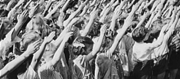 A Vermont substitute teacher was caught teaching third-grade students the Nazi salute. [Image Credit: Fenno Jacobs/Wikimedia Commons]