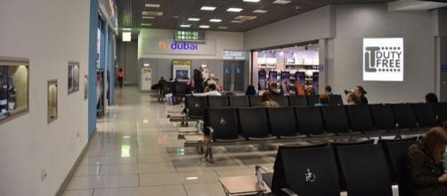 Airport departure lounge – (Image Credit – Vasyatka1 - Wikimedia Commons)