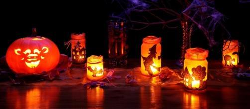 Halloween pieces, Image Credit: PublicDomainPictures / Pixabay