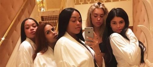 Kylie Jenner com suas amigas (Foto: Reprodução/Instagram)
