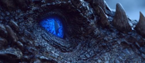 O dragão Viserion, de Game of Thrones.